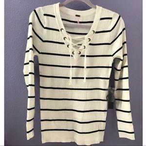 NWT Women's Black & White Long Sleeve Sweater